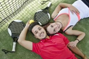 cesped artificial para pistas de tenis y padel y cesped artificial deportivo
