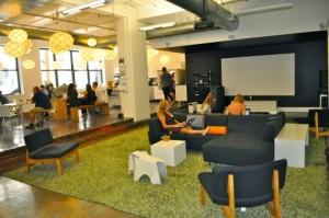 cesped artificial decorativo interior para oficina