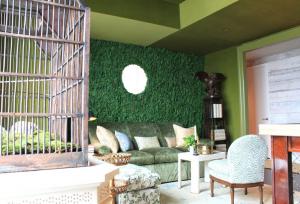 cesped artificial decorativo interior en pared